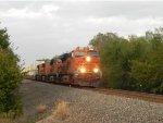 BNSF 6767 (GE ES44C4) leads WB Z-Train