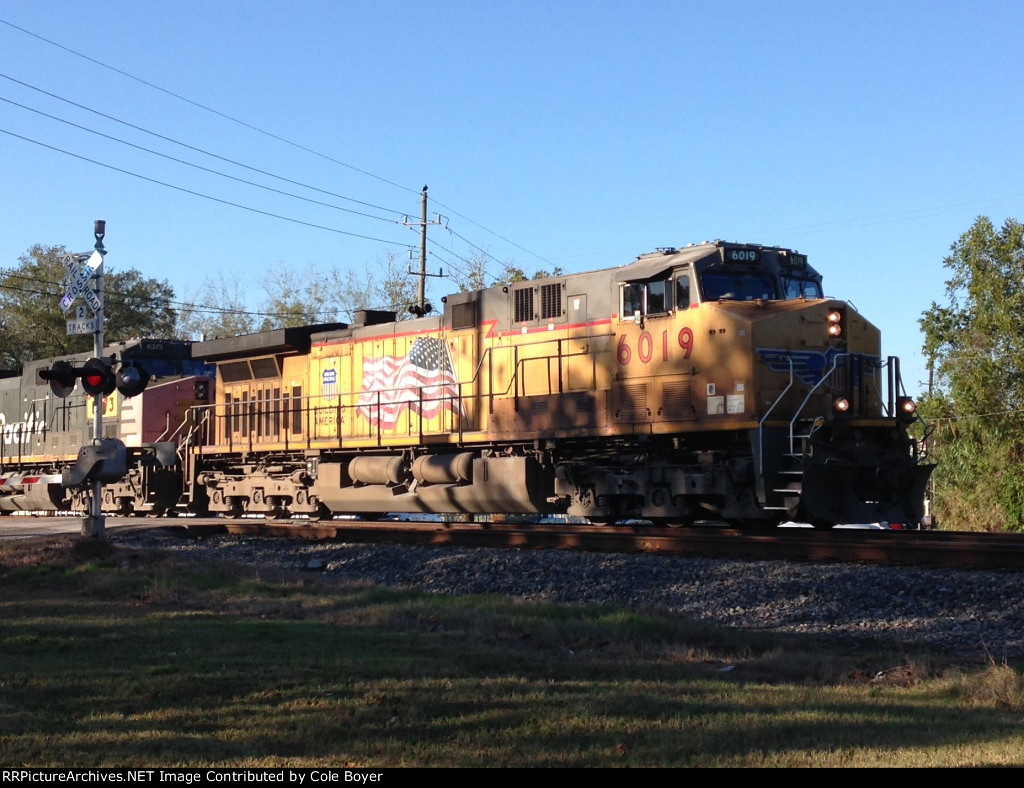 UP 6019 Leads Southbound Oil Tank Train