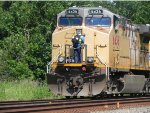 UP 6436 (GE AC4400CW) Has New Crew Going into the Locomotive