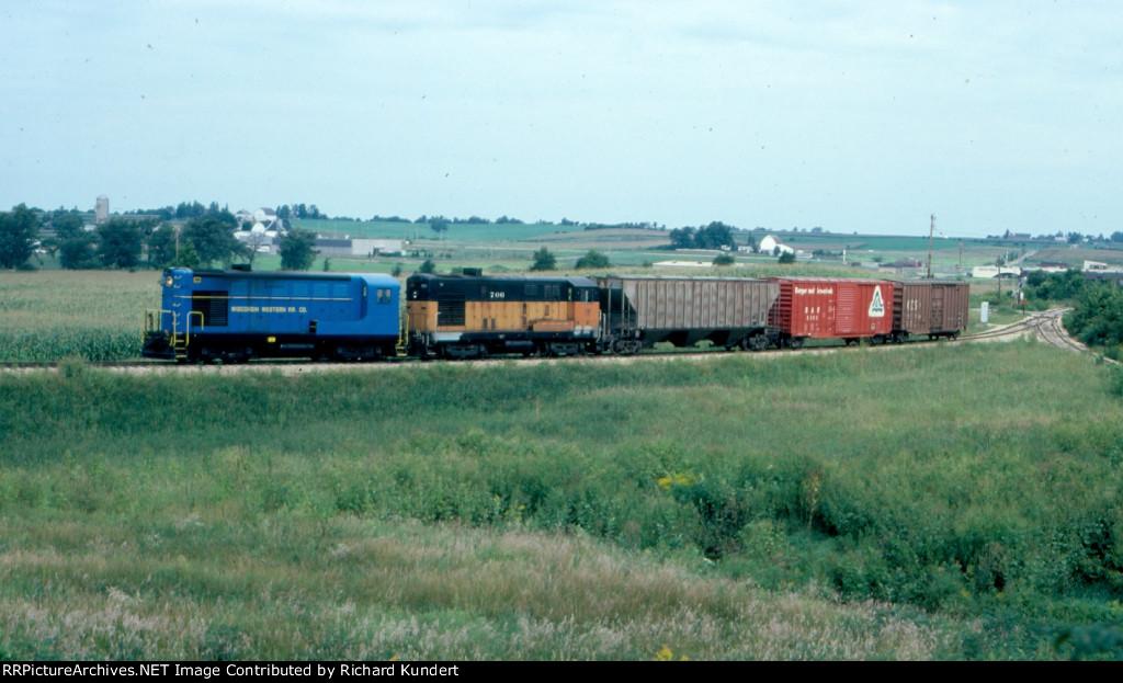 Wisconsin Western 1204 & CWRC 706