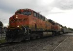 BNSF 7379 (GE ES44DC) leads the BNSF U-MNLJSP006T