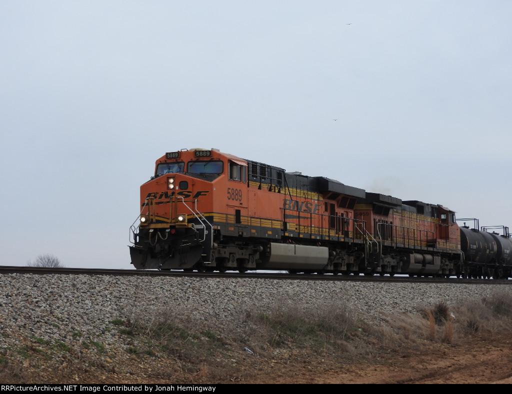 BNSF 5889 North