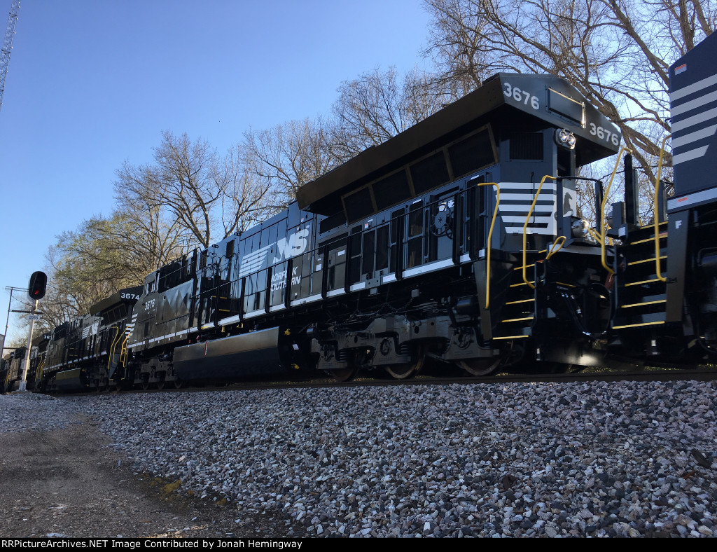 NS 3676 Trailing On An NS Tier IV Delivery Train