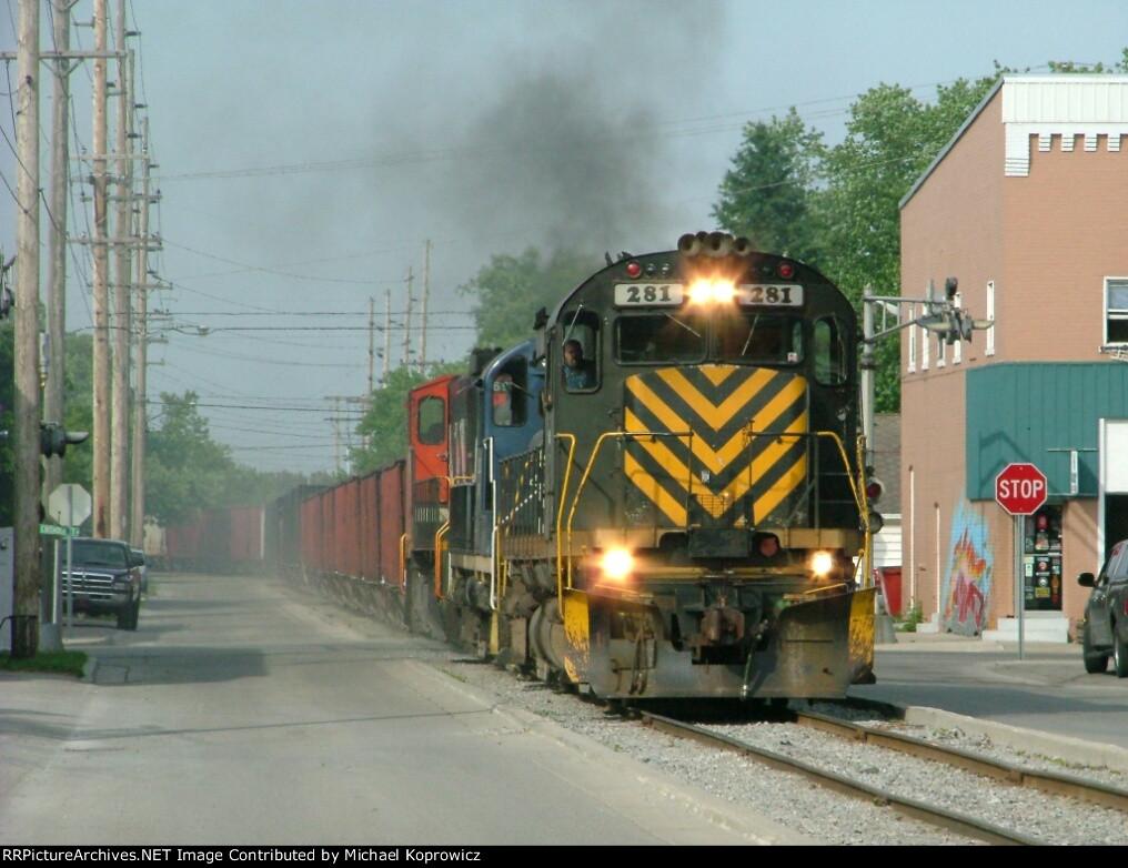 Train 326 on 10th Street