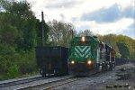 WE 6991 runs around it's train.