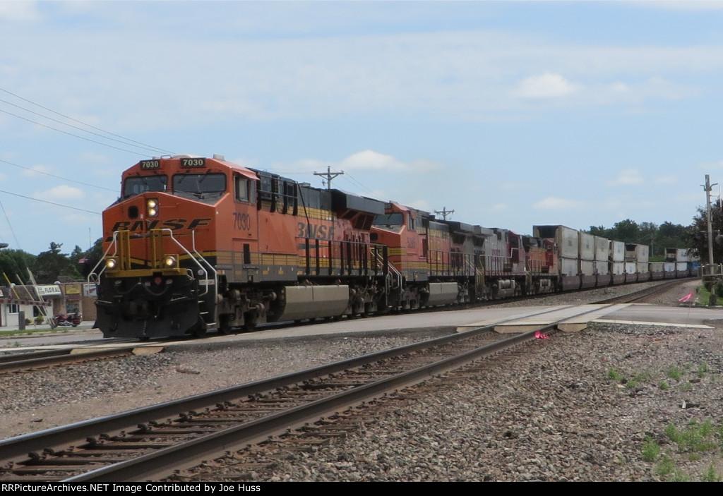 BNSF 7030 West