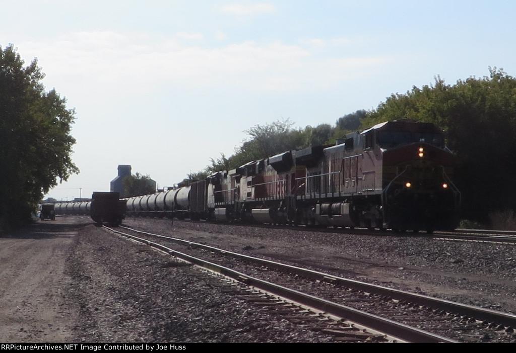BNSF 4775 West