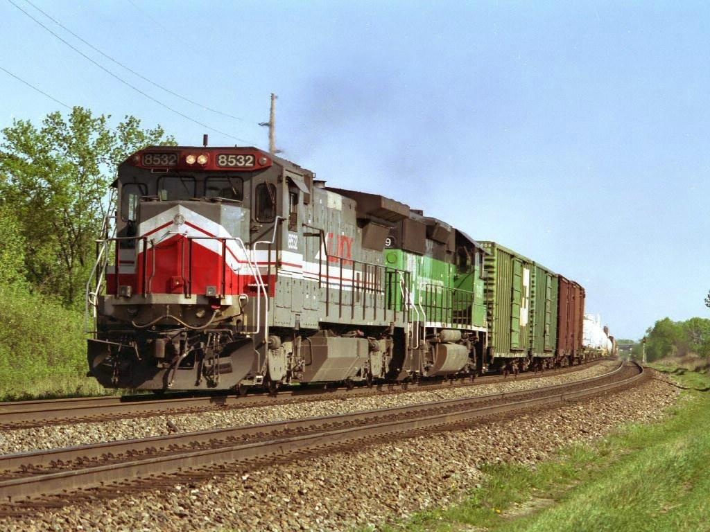 LMX 8532