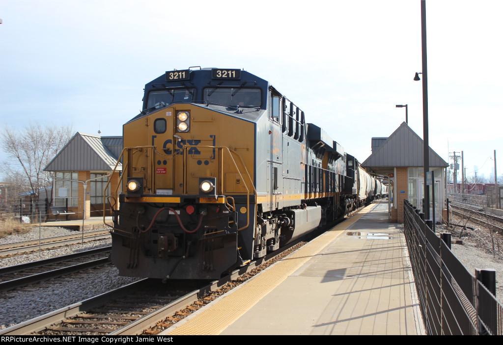 CSX Manifest at Grand/Cicero