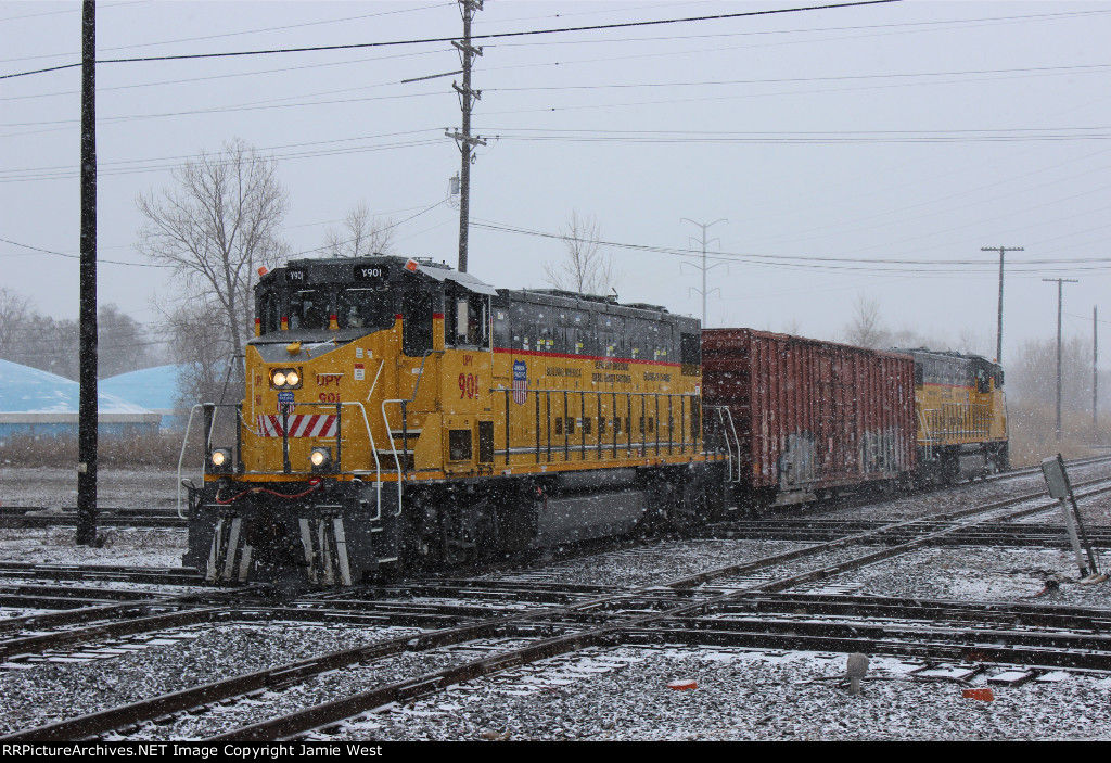 UPY Gensets at Dolton Junction