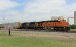 BNSF 6238 and CSXT 8507