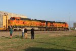 BNSF 5424 and 5199
