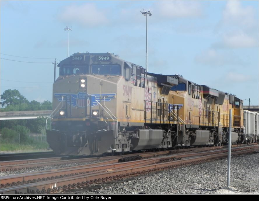 UP 5949 (GE AC4400CW-CTE) leads SB Loaded Rock Train