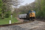 D906-08 rolls toward Seymour with 124 cars in tow