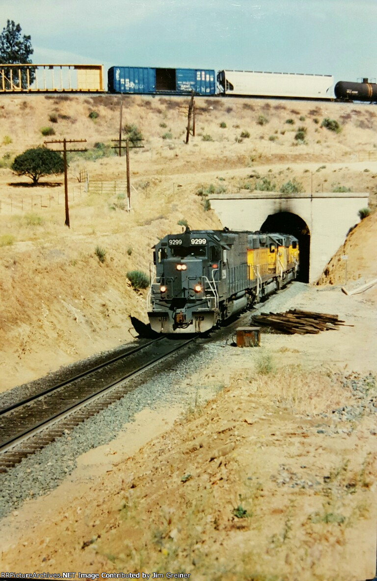 SP 9299 at Tehachapi Loop