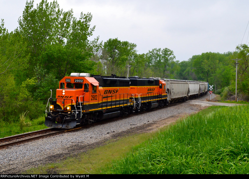 BNSF 2902 and 2573