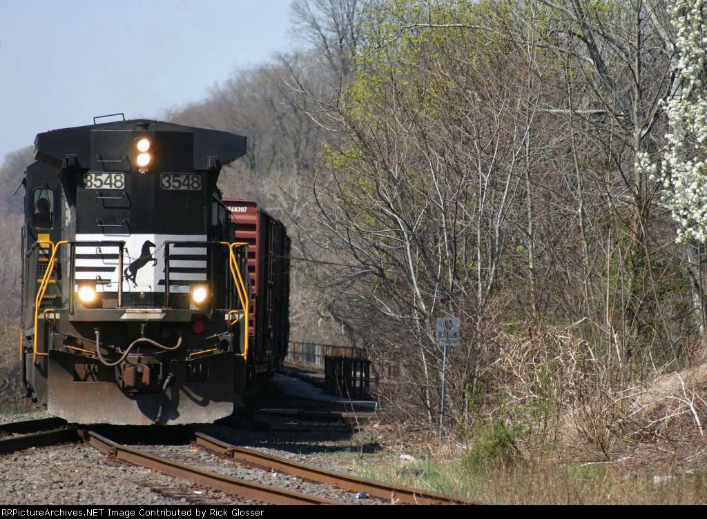NS Washington Turn H65 With B32-8 Running Long Hood Forward @ 1105 hrs.