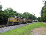 4 Union Pacific motors lead NS 391 westbound