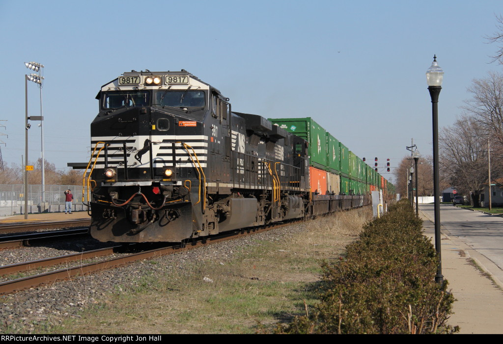NS 9817 & 9724 pull up the runner toward Colehour Yard with 235