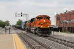BNSF 8459 brings its empty ethanol train off the Mendota Sub and onto the Ottumwa