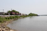 Three CP GE's head south along the Mississippi with 474