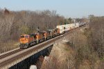 BNSF 7774 leads the Z-WSPSTO9 west on the Chillicothe Sub