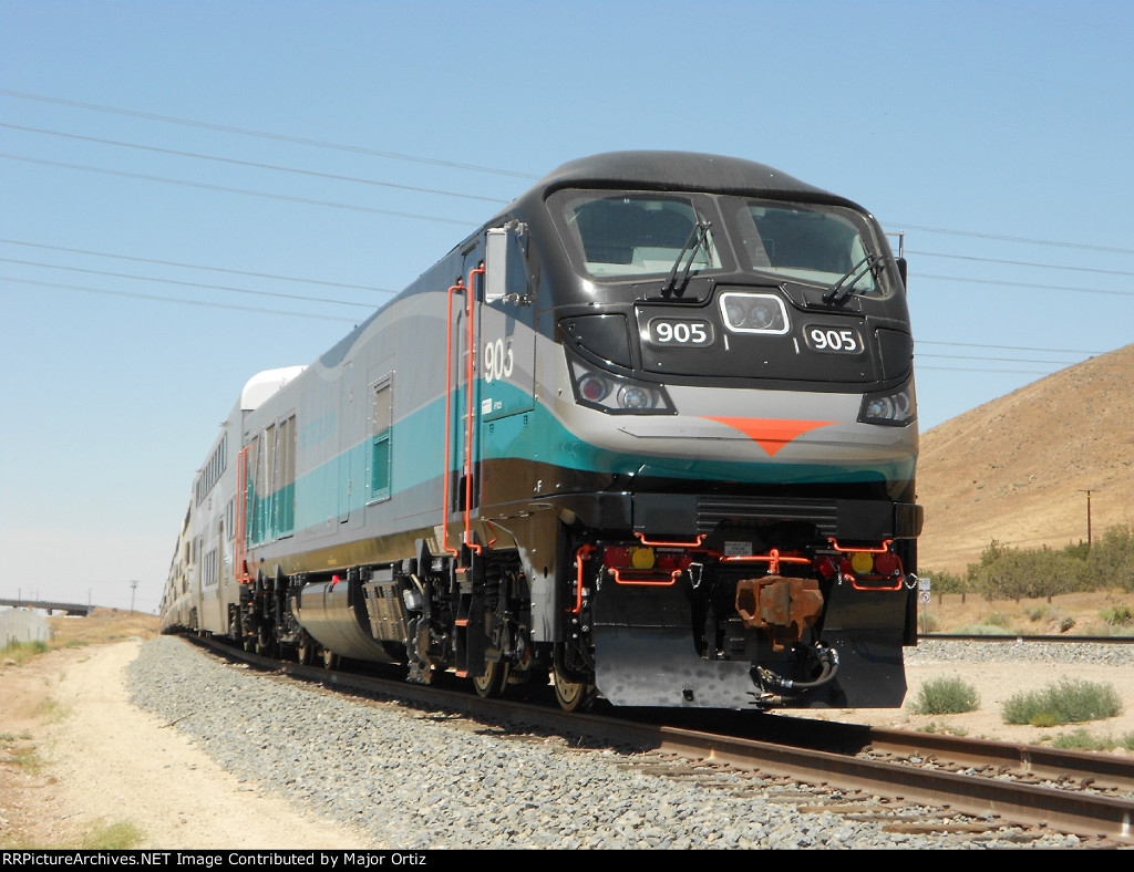 SCAX 905 on 10-car Test Train