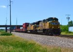 UP 8464 and 4750