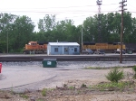 BNSF 8901 & A UUP (Unidentified Union Pacific) SD70M