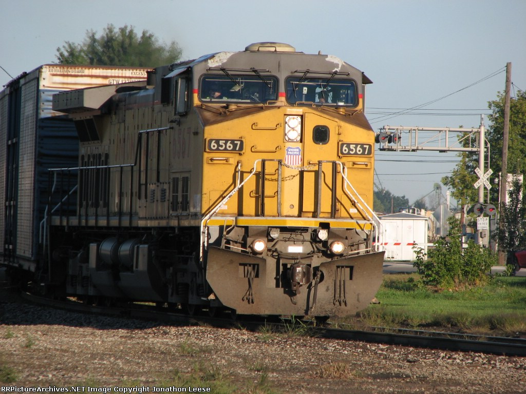 UP 6567 Leaving The Yard