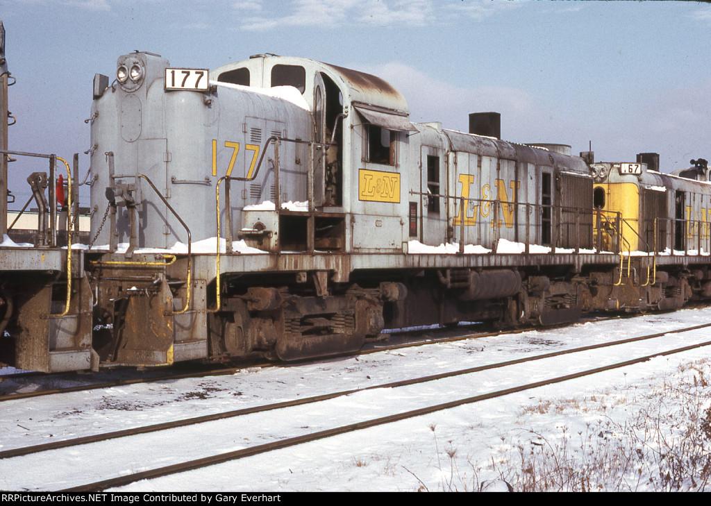 LN RS-3 #177 - Louisville & Nashville