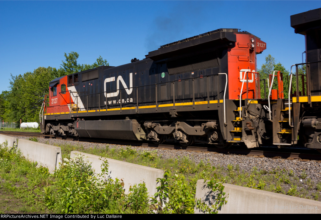 CN 2127