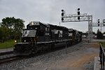 NS 3323 Drag's a local down the Fostoria District.