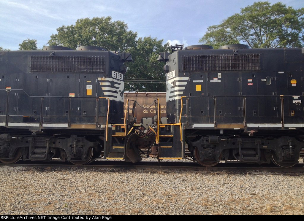 GP38-2 Connections