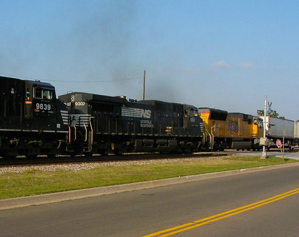 NS 9307, NS 9839, & UP 4776