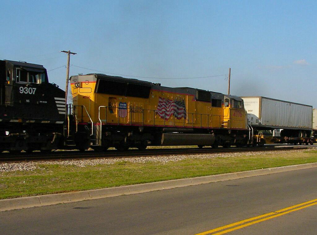 NS 9307 & UP 4776