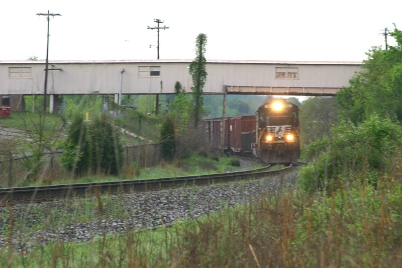 NS 8887 Goes Under The Factory Walkway