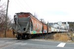 Housatonic Railroad NX-11 Heading to the Lime Plant