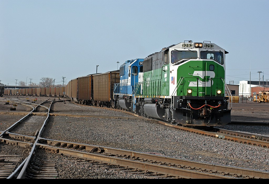 BN 9293 leading coal loads to Midwest Energy