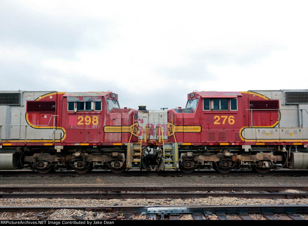 BNSF 298 and BNSF 276 tied down