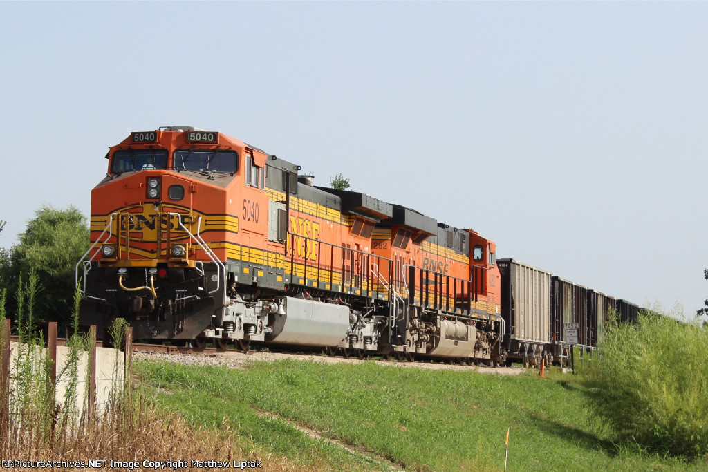 BNSF 5040 & 4282