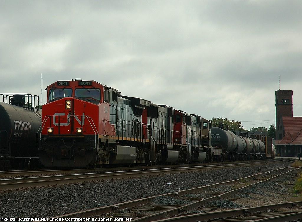 CN 399 arriving