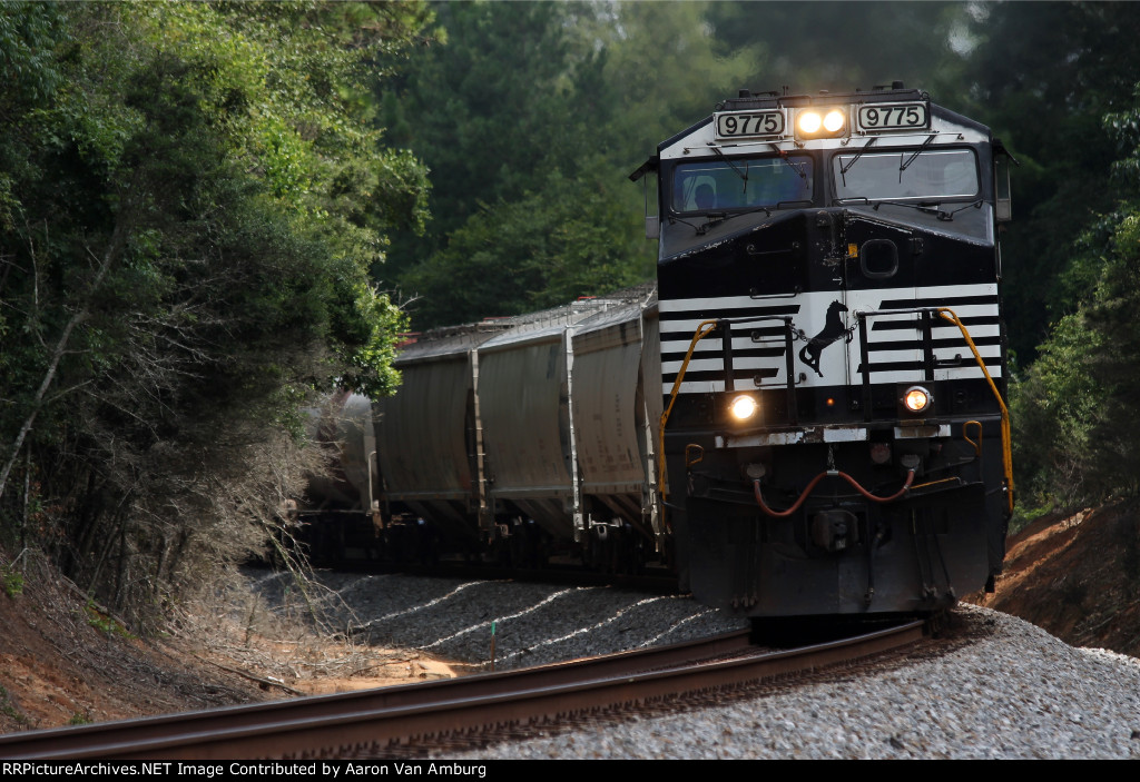 NS 9775 Southbound