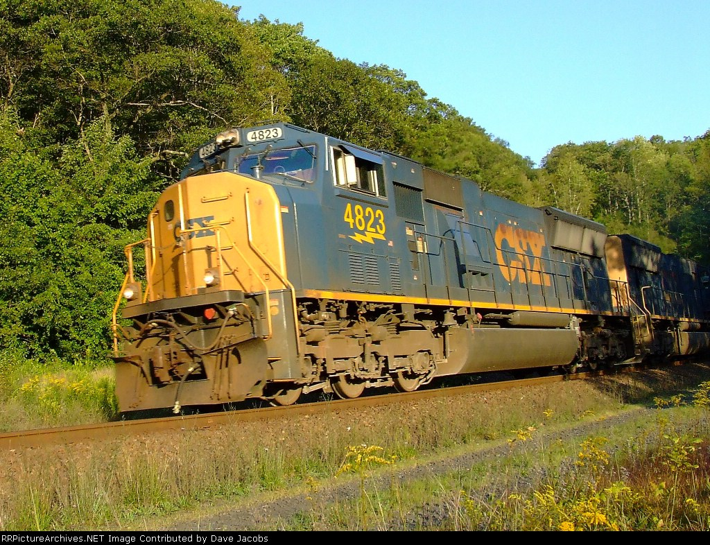 CSX 4823 leads another SD70 and an AC44 on Q437