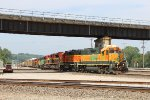 Huge lashup on BNSF-KCS transfer