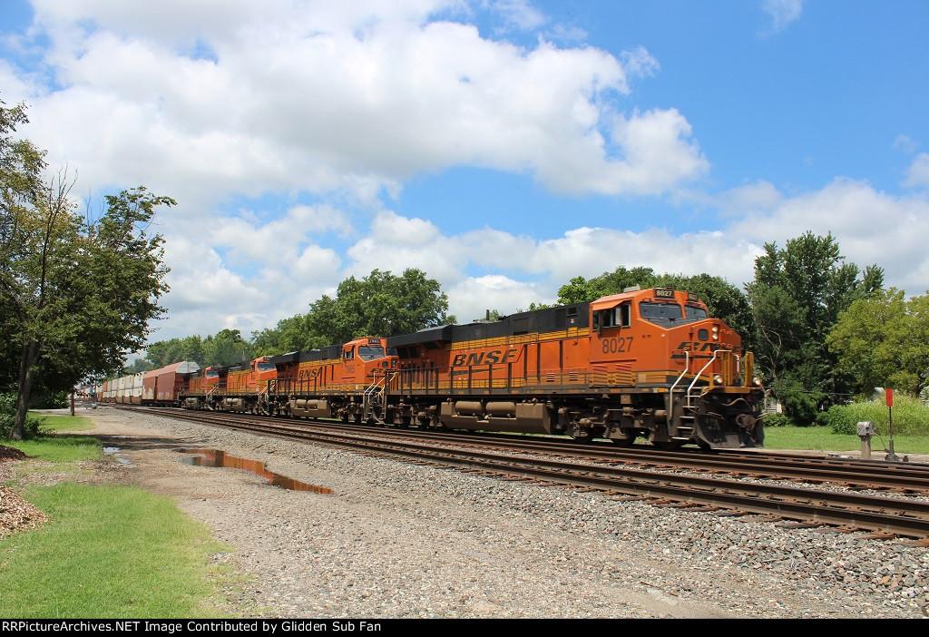 EB BNSF Z-train