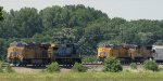 UP 8211 - UP 5080 passing UP 8106 - CSX 7862
