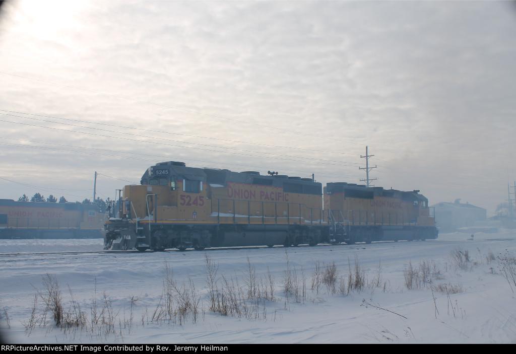 UP 5245 & 1405 (1)