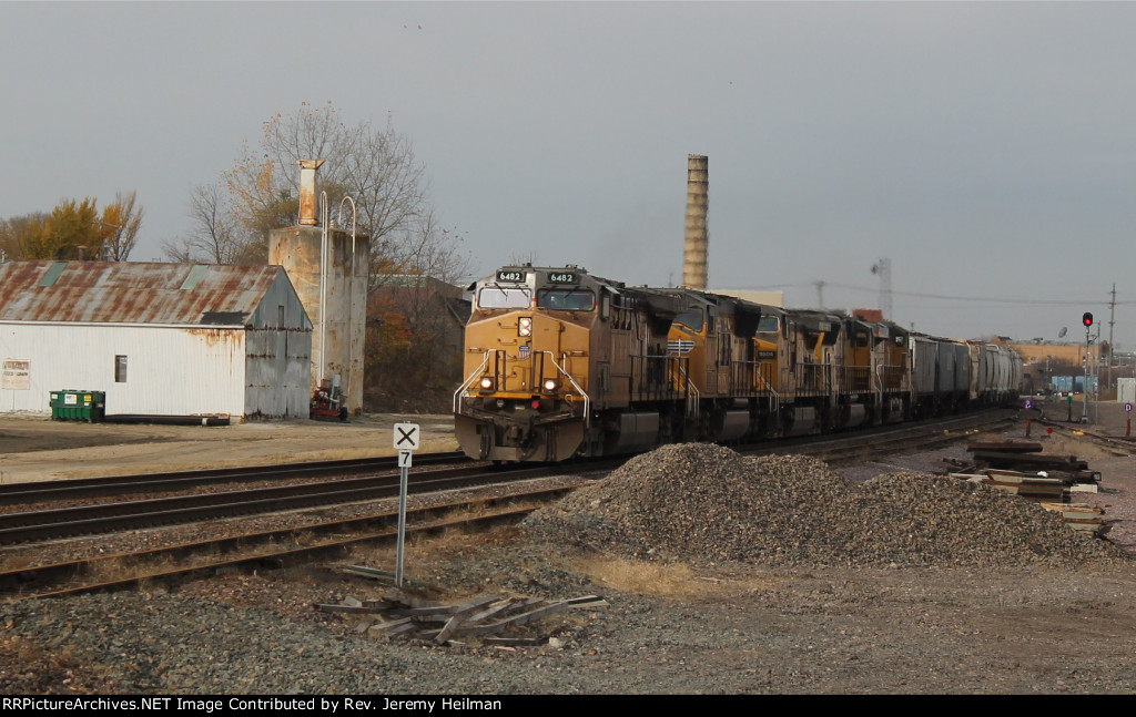 UP 6482 & others (1)