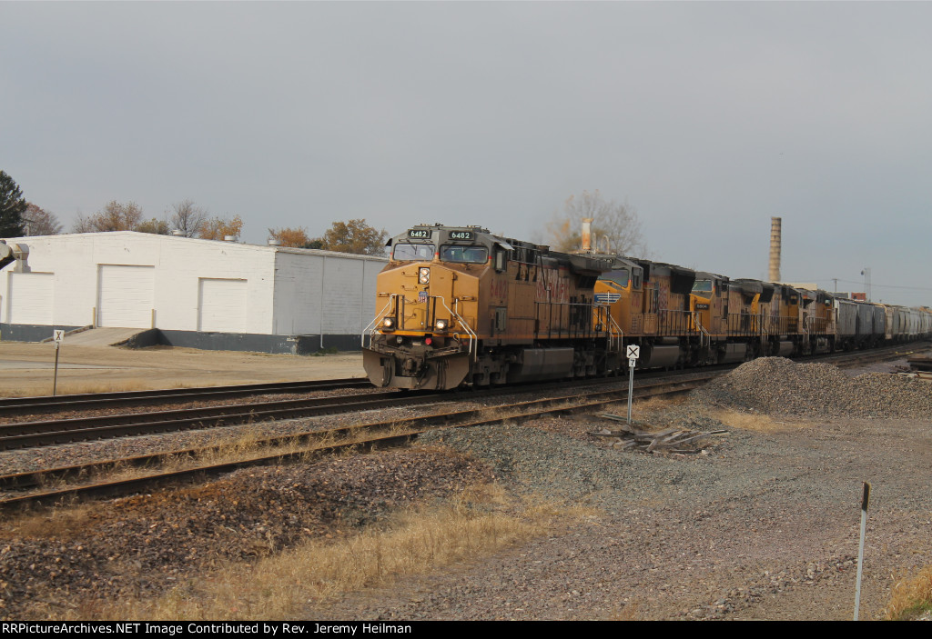 UP 6482 & others (2)